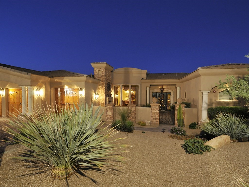 Capture That Curb Appeal!